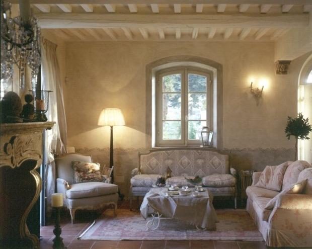 Pareti soggiorno provenzali: materiali e colori