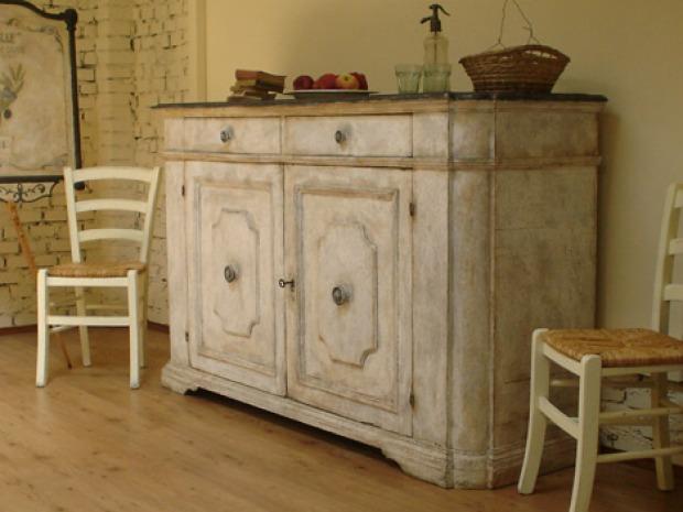 Credenza provenzale colori e materiali - Stile provenzale mobili ...