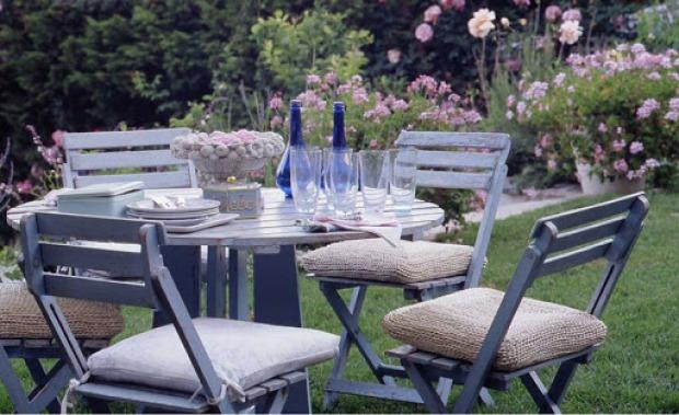 Giardino provenzale: scegliere mobili, pavimenti e illuminazione