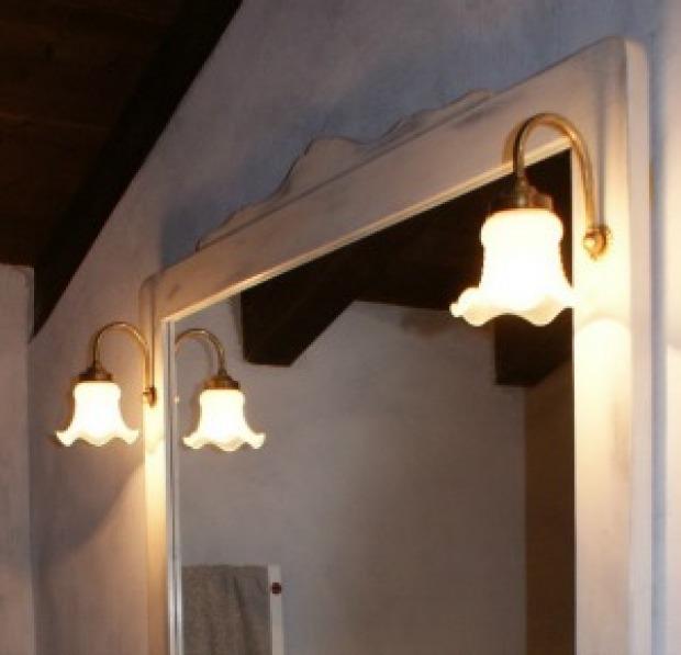 Illuminazione bagno provenzale come ottenere un effetto armonico - Lampade da bagno ...