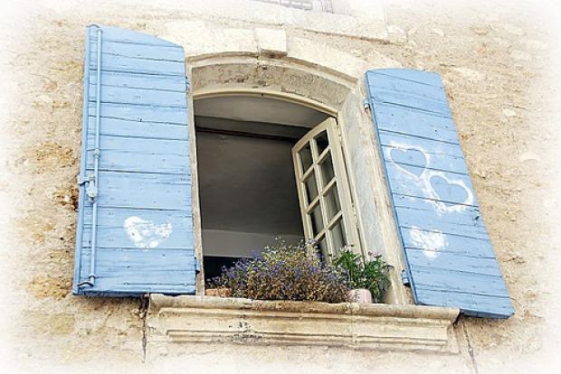 Porte e finestre provenzali i materiali e i colori pi adatti - Finestre provenzali ...